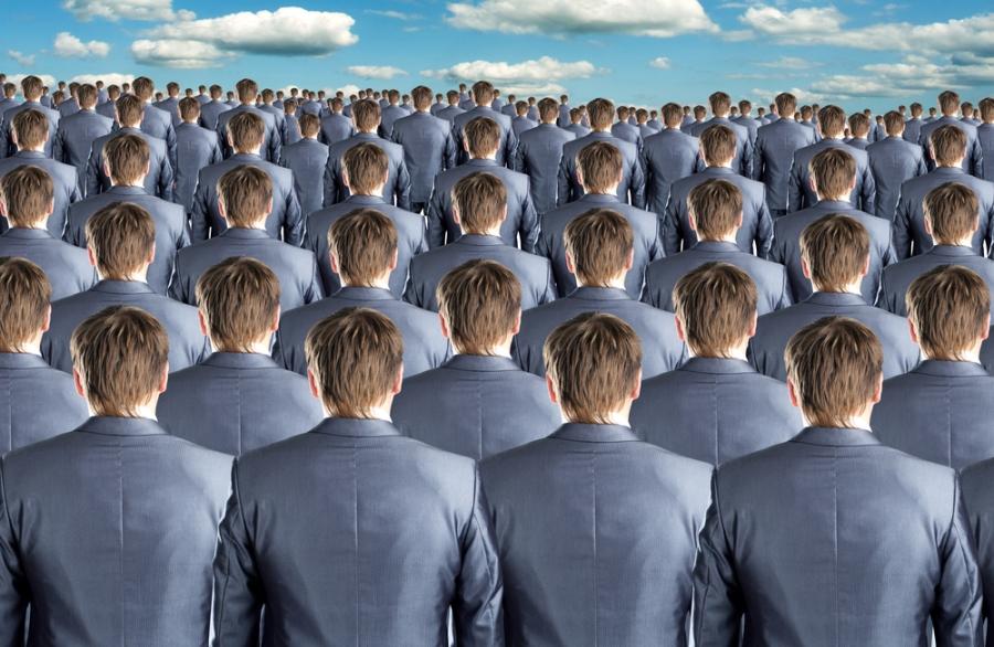 Mini-Me Effekt - Bild mit gleichen Männern