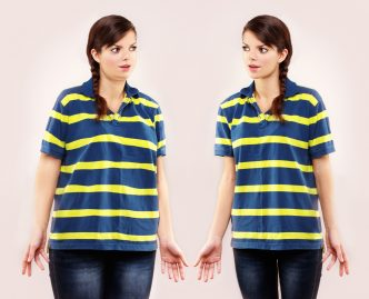 Zwei idente Frauen mit unterschiedlichem Körperumfang