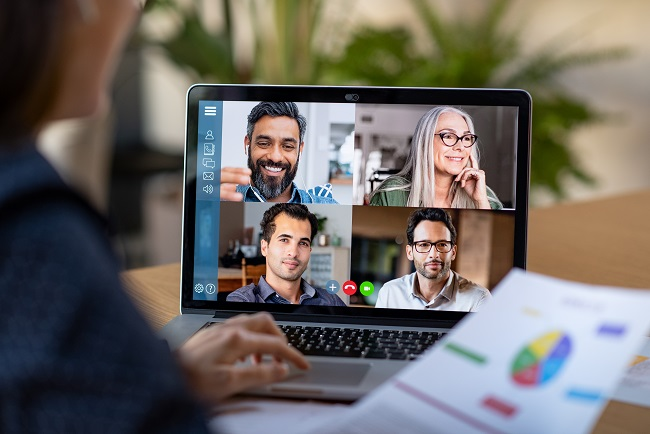 Biases in der virtuellen Zusammenarbeit vermeiden